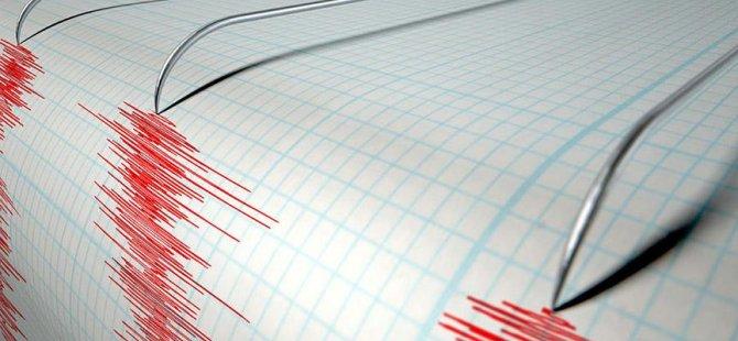 Ege'de 6.5 büyüklüğünde korkutan deprem