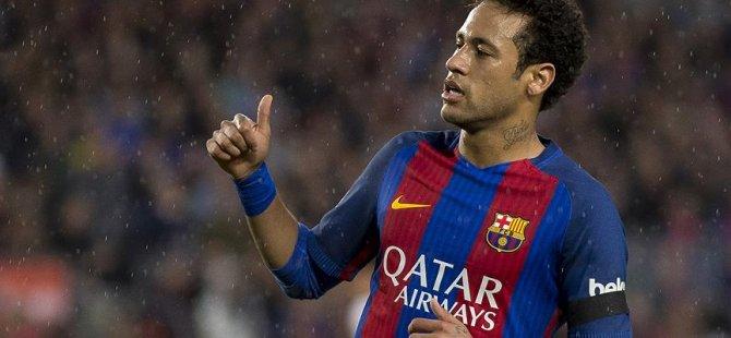 Neymar zirvede, Ronaldo düşüşte