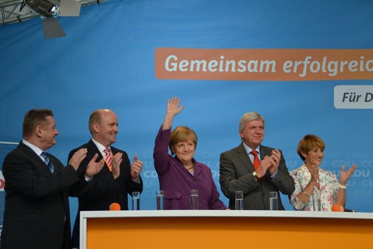 Merkel'e protesto şoku