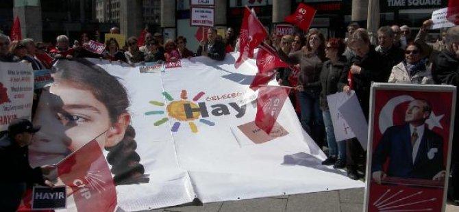 CHP, Almanya'da 'Hayır' protestolarına devam ediyor