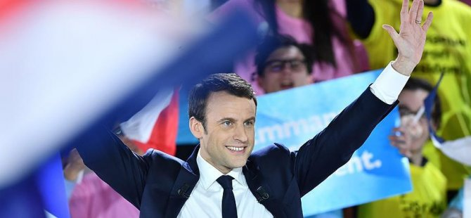 Fransızlar Macron'dan memnun