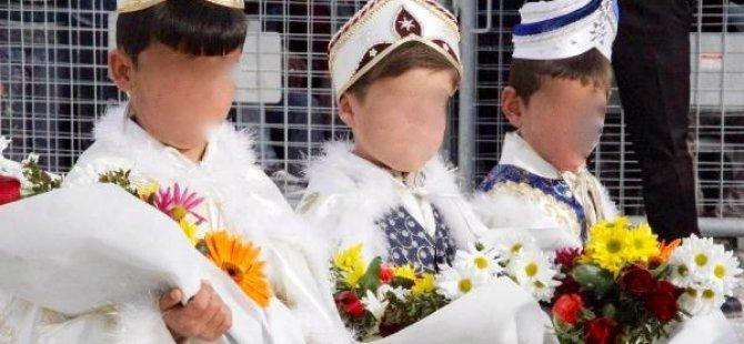 İzlanda'da sünnet yasaklanıyor