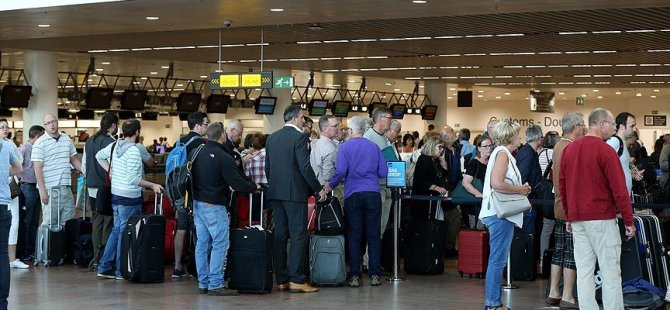 Hava yolu yolcu sayısı 1 milyarı aştı