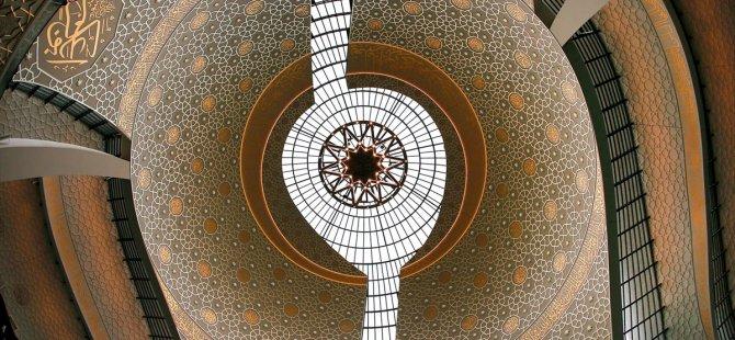 Köln Merkez Camisi'ne 'Müslüman-Türk' damgası