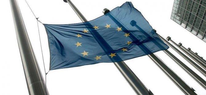 Avrupalıların yarısı AB'yi gereksiz buluyor