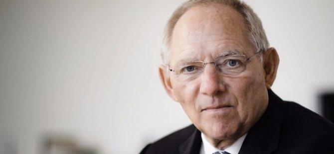 Almanlar en çok Maliye Bakanı'nı seviyor