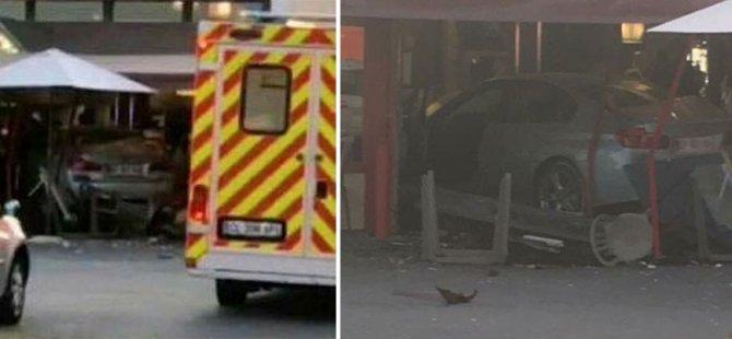 Fransa'da bir araç pizzacıya daldı: 1 ölü, 12 yaralı