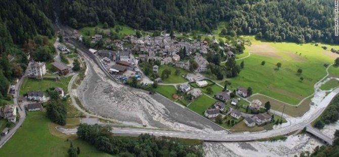Toprak kayması şehri yuttu: 8 kişi kayıp