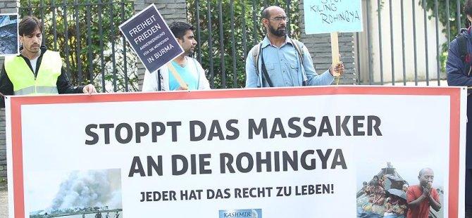 Almanya'da Arakan protestosu