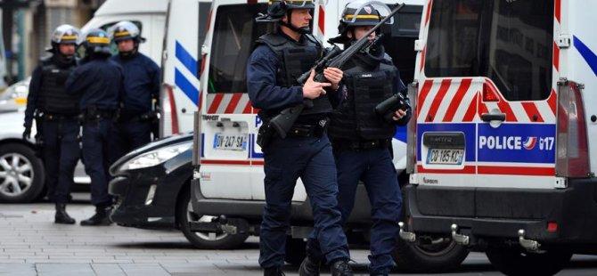 Paris'te havalimanında bomba alarmı