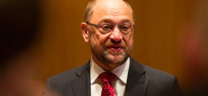 Schulz koalisyonu SPD üyelerine danışacak