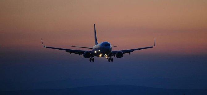 Diş protezi boğazına kaçan yolcu uçakta öldü