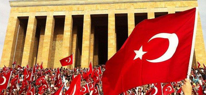 Gurbetçiden 'bayrağın rengi değiştirilsin' teklifi