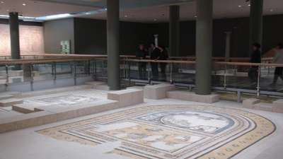 Mozaiklerin son hali basın mesupları gösterildi