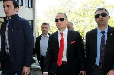 MİT TIR'larının aranmasıyla ilgili olarak savcı Aziz Takçı evinde gözaltına alındı- YENİDEN