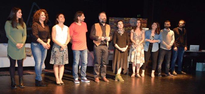 Tiyatro Frankfurt, Türkiye'de sahnede