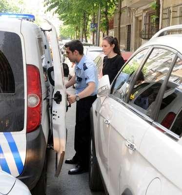 Şişli'de paralarla kaçarken, polise yakalandı