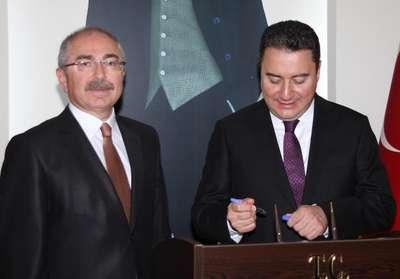 Babacan: Türkiye'de yatırımların yüzde 80'i özel sektörün