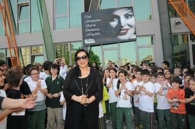 Çocuklardan Türkan Şoray'ı ağlatan şarkılar