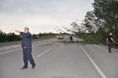 Şiddetli fırtına Edirne'yi felç etti (3)