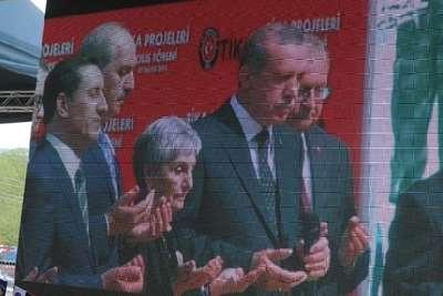 Cumhurbaşkanı Erdoğan, Kosova'da Mehmet Akif Ersoy Camii açılışına canlı bağlantıyla katıldı