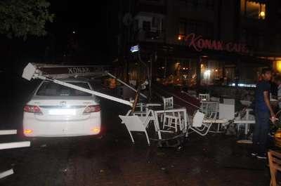 Yalova'da fırtına hayatı olumsuz etkiledi