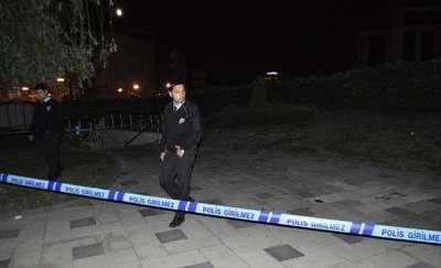 Zeytinburnu'nda silahlı kavga: 1 yaralı