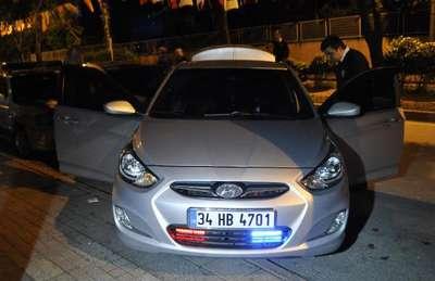 Şüphe üzerine durdurulan araçta çakar lamba ve siren tertibatı bulundu: 2 gözaltı