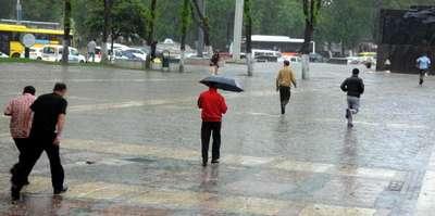 Gaziantep'te yağmur ve fırtına etkili oldu