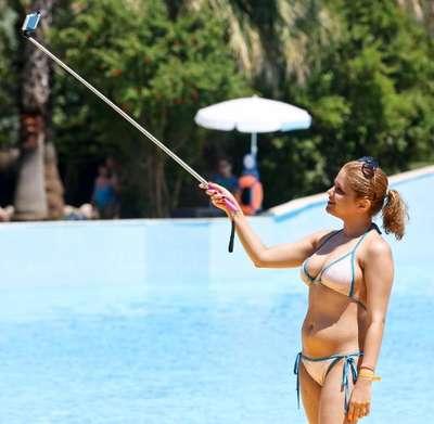 Antalya'da su parkları renklendi