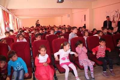 Şemdinli'de öğrencilere ağız ve diş sağlığı taraması