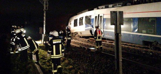Almanya'da tren kazası: En az 50 yaralı