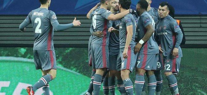 Beşiktaş grubu rekorlarla bitirdi