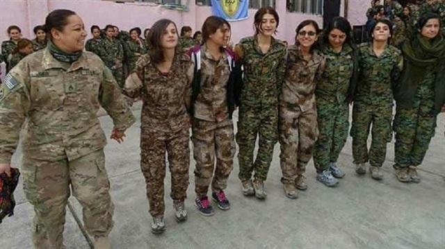 ABD'li asker YPG halayında halay başı oldu