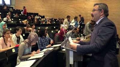 Açık Öğretim lisesi ve ortaokulu sınavları Münih'te yapıldı