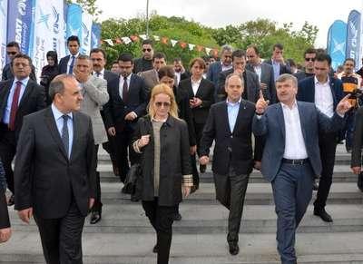 Bakan Kılıç: Türkiye'deki muhalefet liderleri de İngiltere'dekiler gibi söz versin (2)