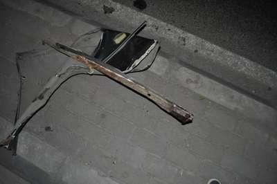 Kazada yüzüne kaporta parçası saplanan taksici öldü