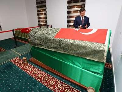 Davutoğlu, Süleyman Şah Türbesi'ni ziyaret etti- Ek fotoğraflar