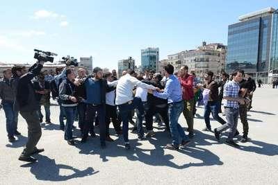 Taksim'de Ferinaz eylemine polis müdahalesi