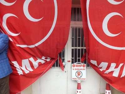 Rize'de Belediye, MHP Seçim Bürosu'nu mühürledi