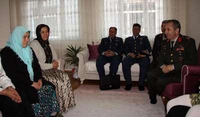 Tuğgeneral Doğru'dan, şehit Astsubay Aydoğdu'nun doğum yapan eşine ziyaret