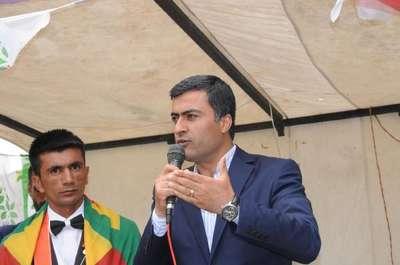 HDP'li Zeydan:Türk kardeşlerimiz Kürtlerden özür dilemeli