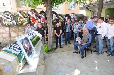 Kadıköy'de öldürülen Bahadır öğretmen, Edirne'de toprağa verildi