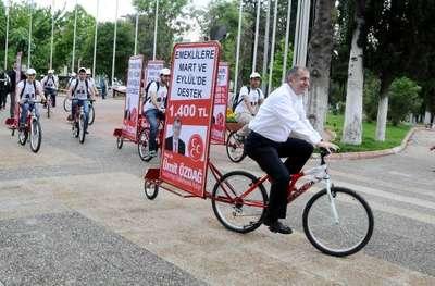 MHP'nin seçim vaatleri bisikletlerle anlatılıyor