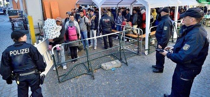 Almanya'da mültecilere yaş tespiti tartışması
