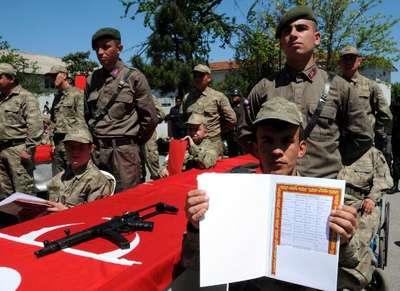 Zonguldak ve Bartın'da engelliler 1 günlüğüne asker oldu