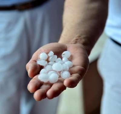 Adana'da sağanak yağmur ve dolu