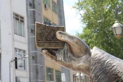 Selfie çeken şehzade heykeline ikinci saldırı