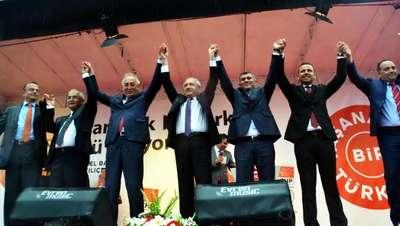 Kılıçdaroğlu, Muğla'da yağmur altında konuştu: Nasıl devlet yönetilirmiş öğreteceğim onlara