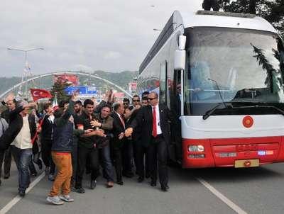 Cumhurbaşkanı Erdoğan: Millet bana meydanlara çıkmam için oy verdi (2)